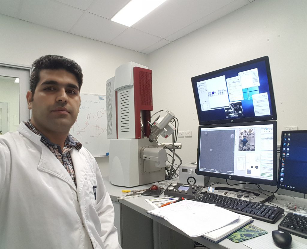 Hesam Shehali with the TESCAN SEM used for EBL experiments